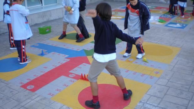 El Colegio Mayol Recupera Juegos Populares En El Patio Del Recreo
