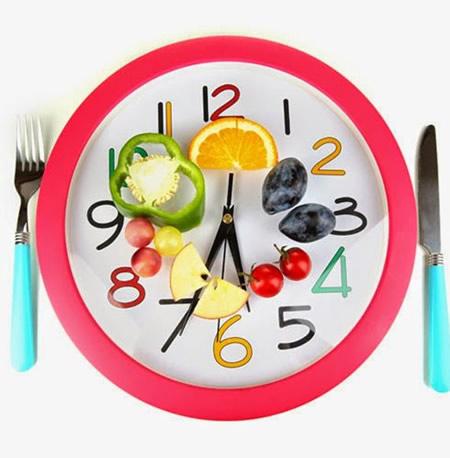 Asegurar la permanencia en la mesa durante el tiempo de las comidas