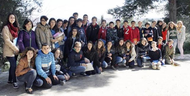 Los primeros alumnos de la Escuela de Haikus, en el parque de la Bastida, curso 2013-2014